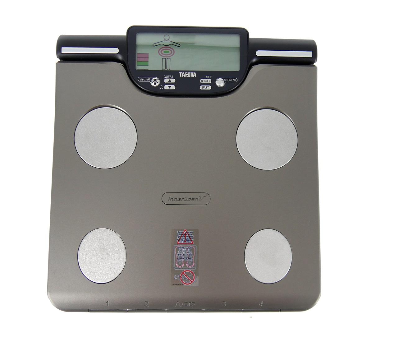 Osobní digitální váha se slotem pro SD kartu a segmentální analýzou Tanita BC-601 gold